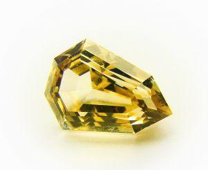 Камень данбурит натуральный огранённый